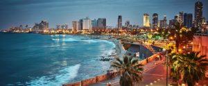 בתים למכירה בתל אביב - נוף חופי תל אביב בשעות בין ערביים.