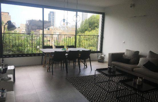"""דירת 4 חדרים למכירה בתל אביב, 115 מ""""ר, קומה 4 מ-4."""