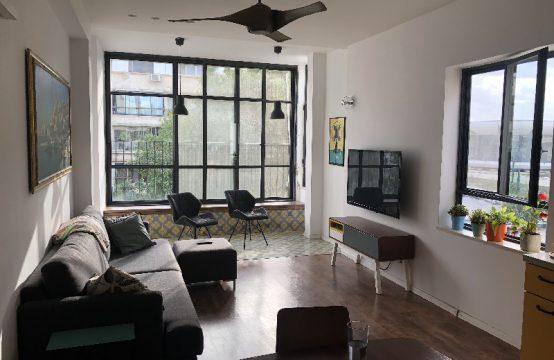 """דירת 4 חדרים למכירה בתל אביב, 110 מ""""ר, קומה 2 מ-3."""