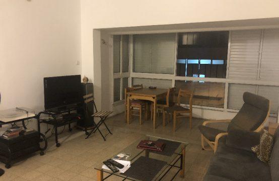 """דירת 3.5 חדרים למכירה בתל אביב, 110 מ""""ר, קומה 2 מ-3."""