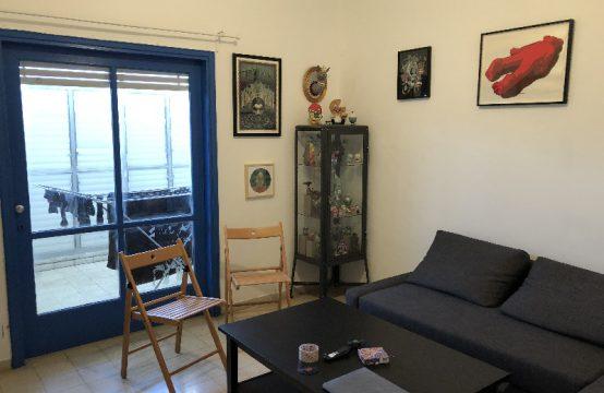 """דירת 2 חדרים למכירה בתל אביב, 70 מ""""ר, קומה 1 מ-2."""