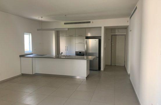 """דירת 4 חדרים למכירה בתל אביב, 105 מ""""ר, קומה 2 מ-5."""