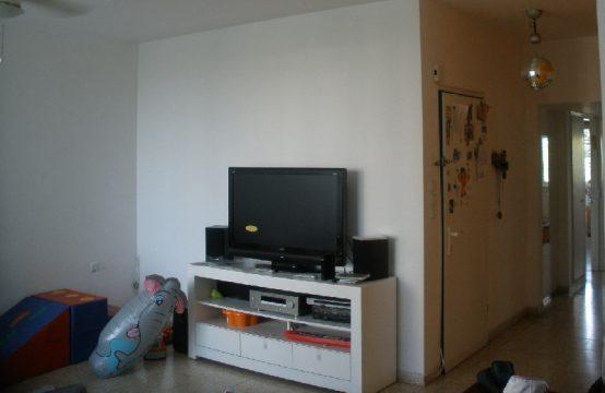 """דירת 3 חדרים למכירה בתל אביב,  מ""""ר, קומה 3 מ-8."""