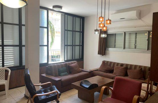 """דירת 3.5 חדרים למכירה בתל אביב, 80 מ""""ר, קומה 1 מ-3."""