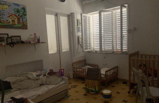"""דירת 5 חדרים למכירה בתל אביב,  מ""""ר, קומה  מ-."""