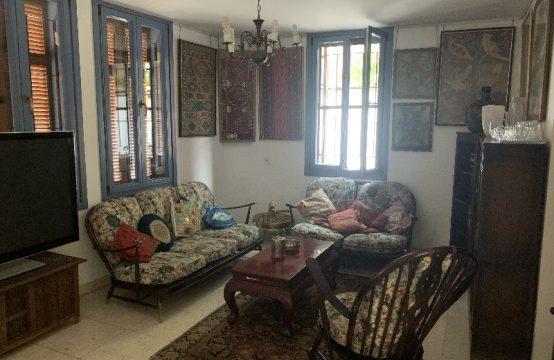 """דירת 5.5 חדרים למכירה בתל אביב, 180 מ""""ר, קומה 1 מ-2."""