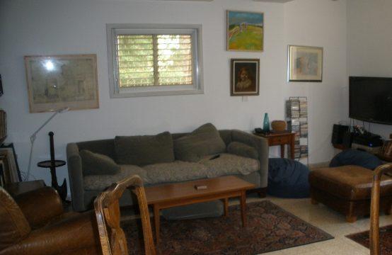 """דירת 3.5 חדרים למכירה בתל אביב, 116 מ""""ר, קומה 0 מ-3."""
