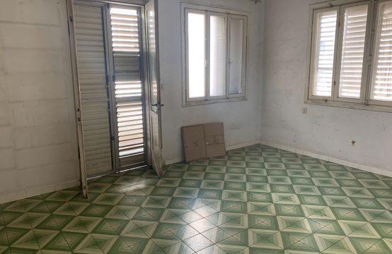 """דירת 2 חדרים למכירה בתל אביב, 62 מ""""ר, קומה 2 מ-3."""