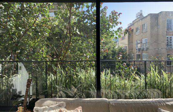 """דירת 3.5 חדרים למכירה בתל אביב, 78 מ""""ר, קומה 1 מ-3."""
